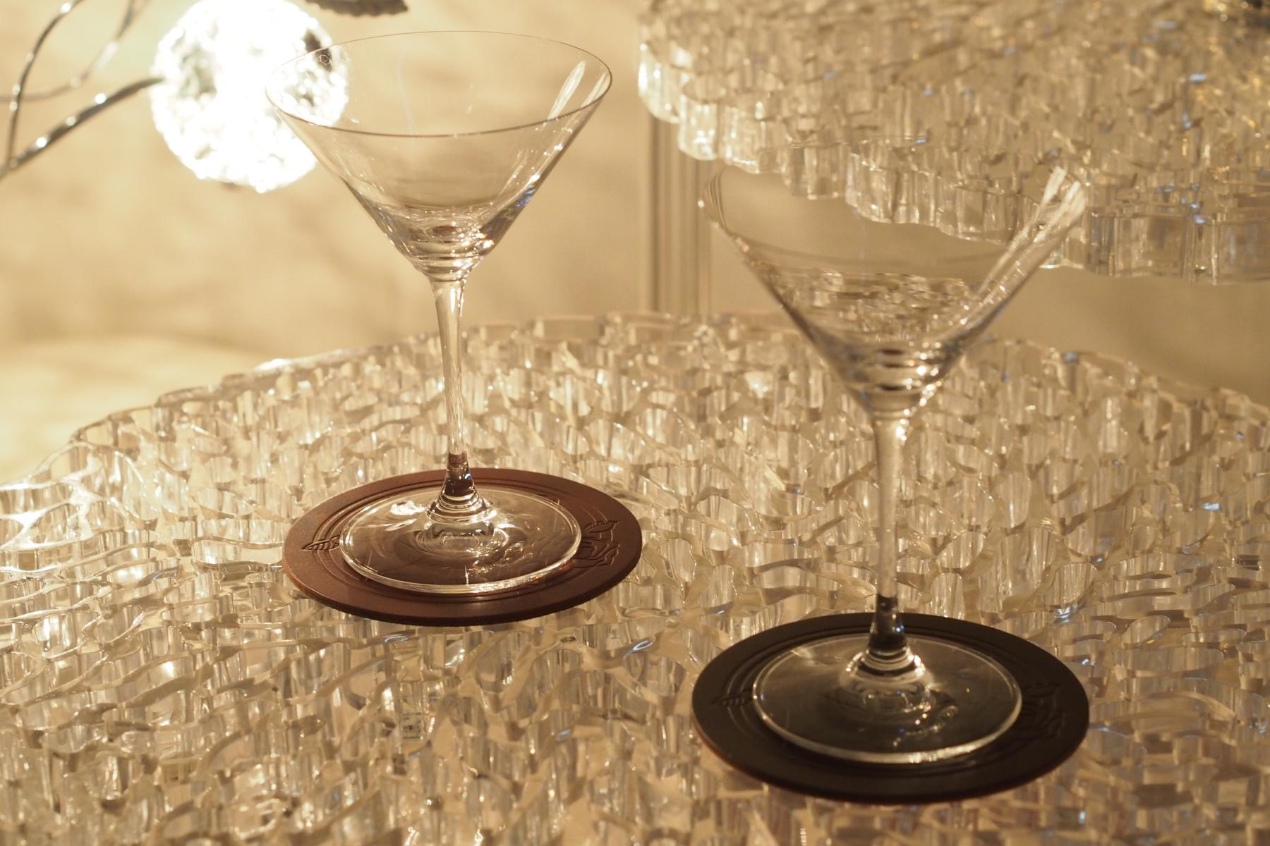 レザーコースター2枚セット・円形とカクテルグラス