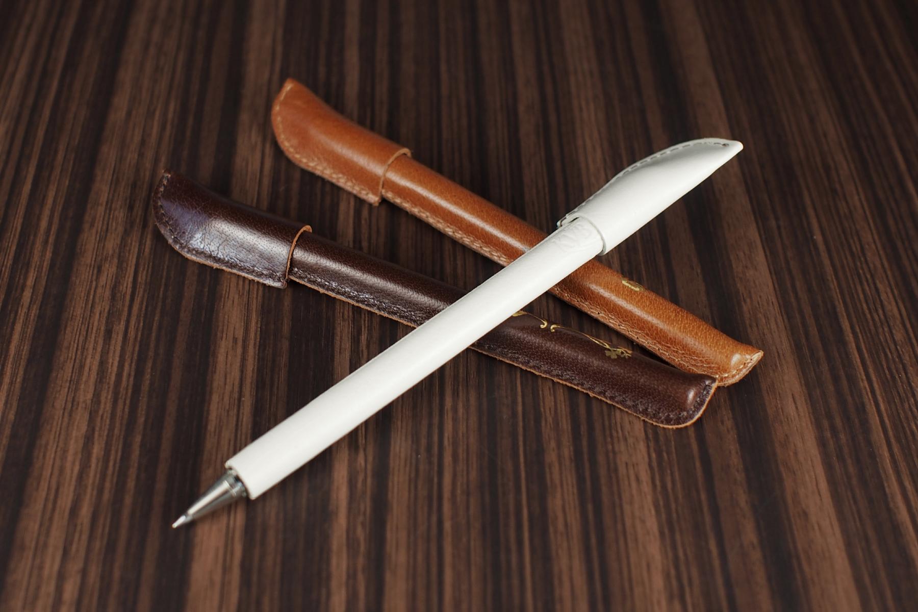 革巻きボールペンのカラーバリエーション