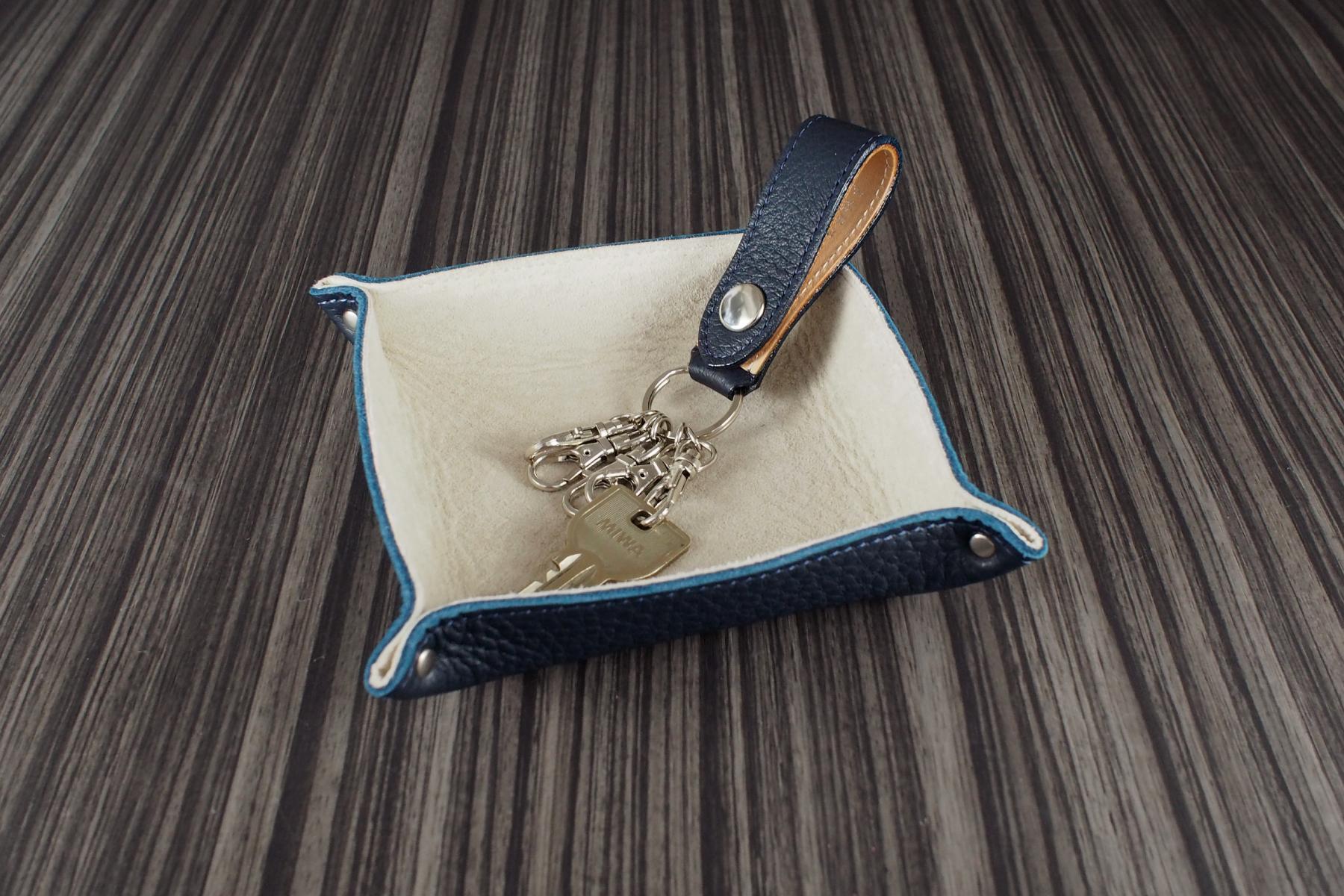 本革製キーホルダー・イタリアン仕様のネイビー