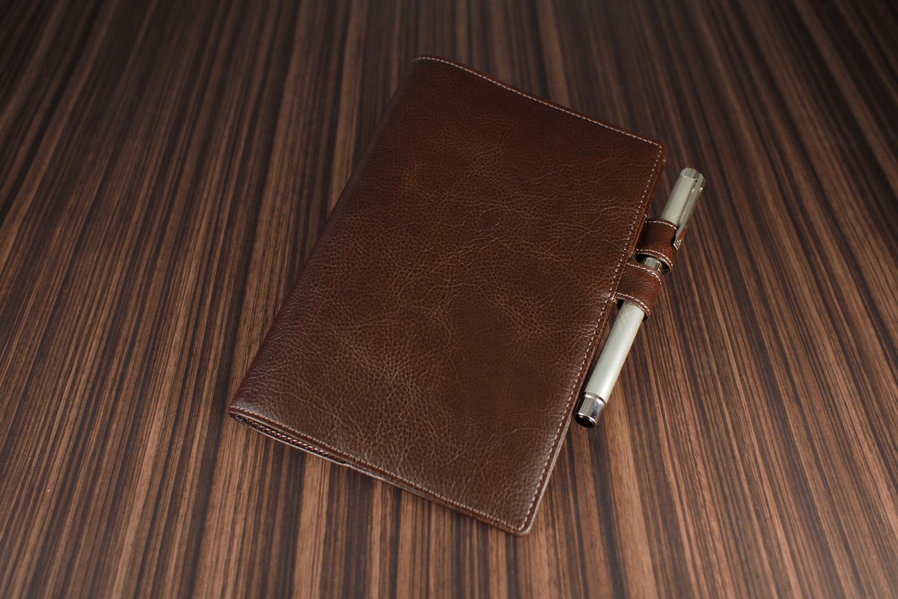 B6サイズ手帳カバー・バタフライストッパー付きのチョコブラウン