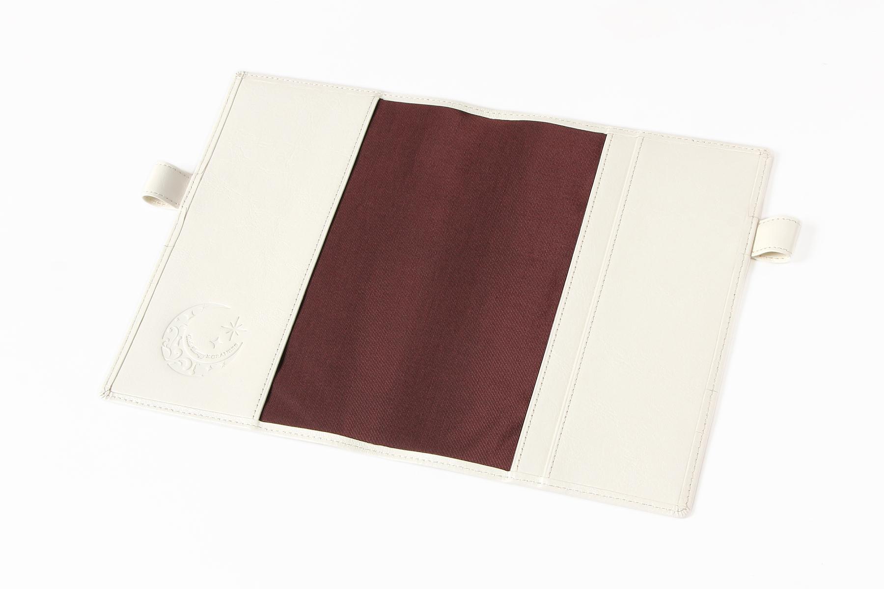 B6サイズ手帳カバー・バタフライストッパー付きの内側に名入れをした写真