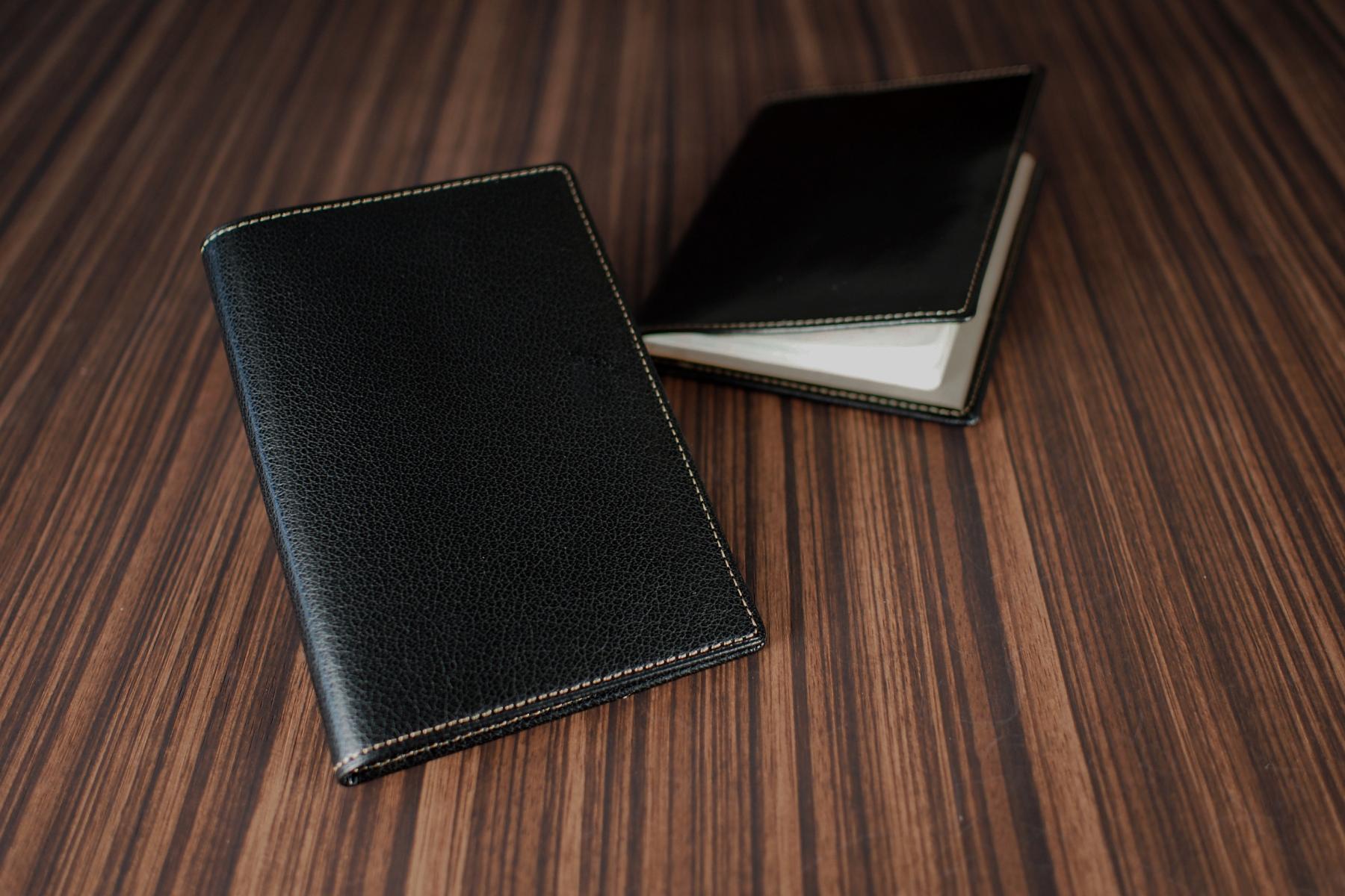 本革製パスポートケース・ツートン仕様