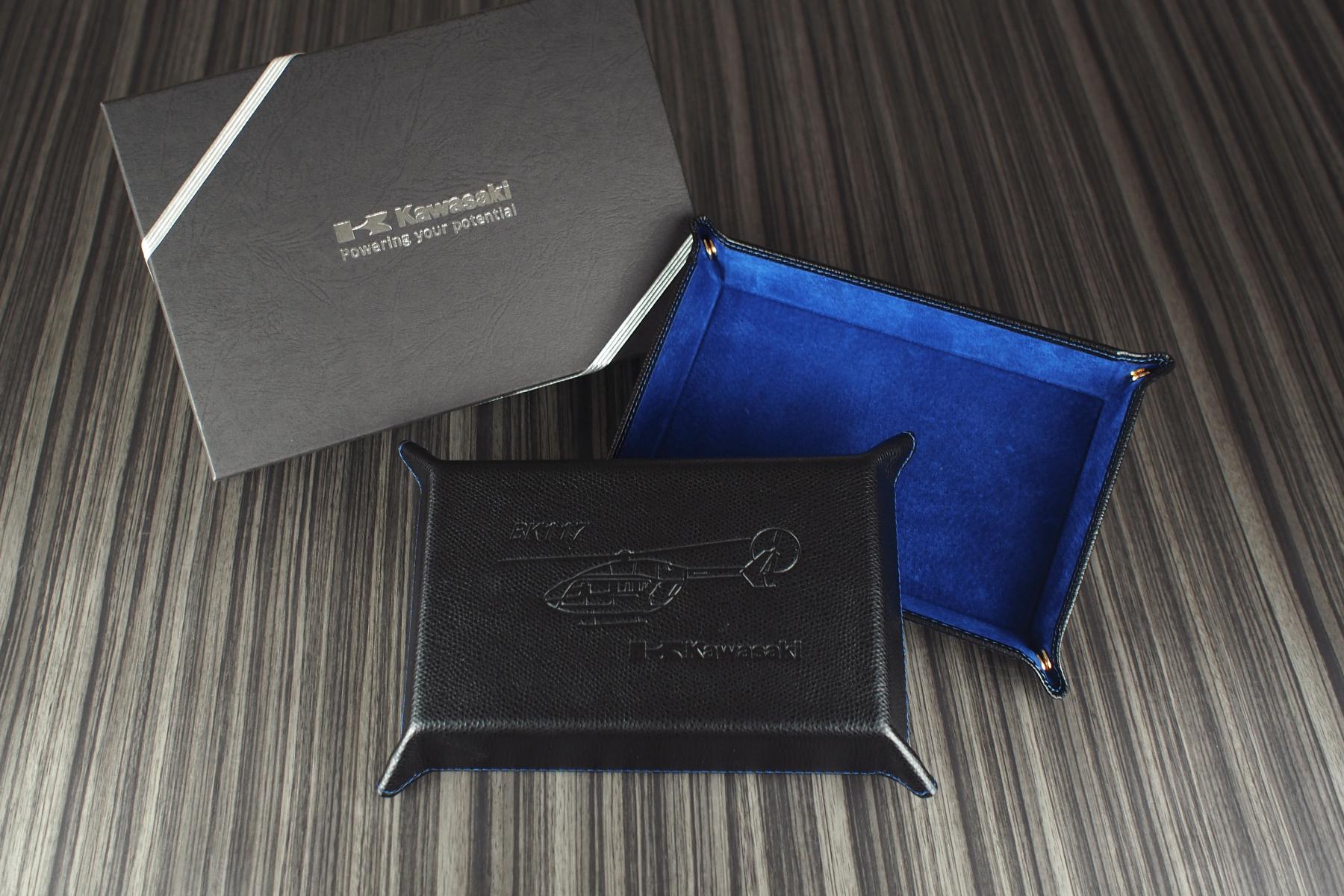 川崎重工業様の名入れ記念品と化粧箱